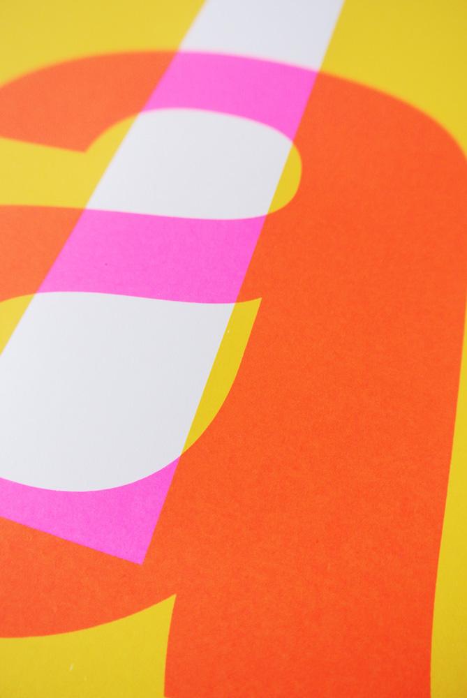 Detail van gezeefdrukte poster Hell yeah